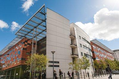 image de couverture de Université d'Evry-Val-d'Essonne