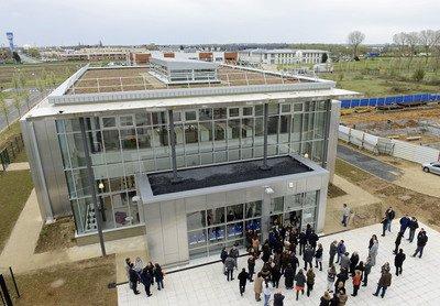 image de couverture de une nouvelle bibliothèque universitaire