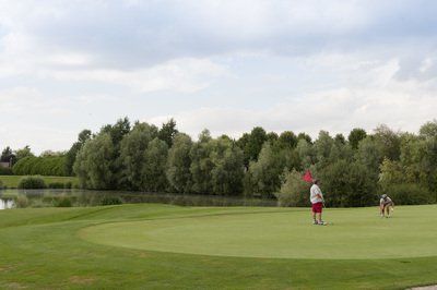 golf-val-grand-bondoufle-drapeau.jpg