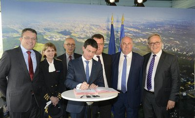 image de couverture de Signature du premier contrat d'intérêt national en France