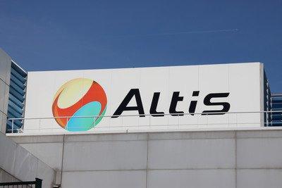 image de couverture de X-FAB investit sur 10 ans pour Altis Semiconductor