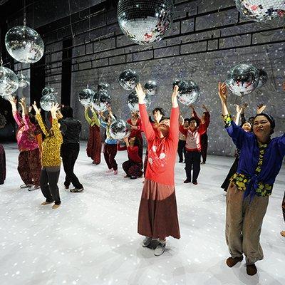 image de couverture de DANCING GRANDMOTHERS