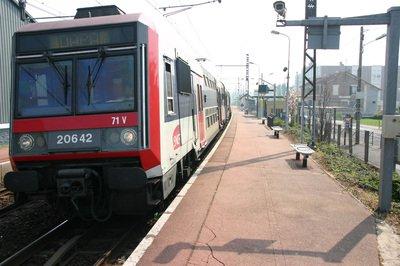 Gare_de_Villabe_IMG_2204.jpg