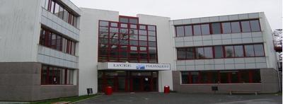 Lycée-Saint-Léon.jpg