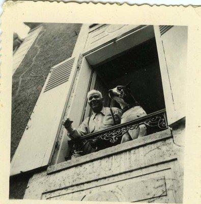 Sidney Bechet dans sa maison deGrigny, rue pierre Brossolette.jpg