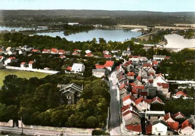 vue aérienne du villagede Grigny.jpg