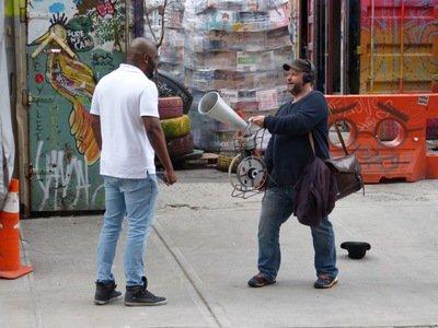 Jérôme Bouvet avec la Koh lecteuse à NYC.jpg