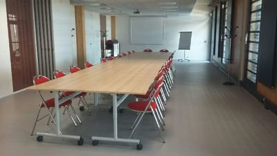 Salle de conférence Eco-pépinière.jpg