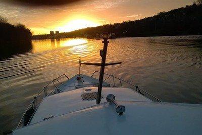 bateau-ris-airbnb.jpg